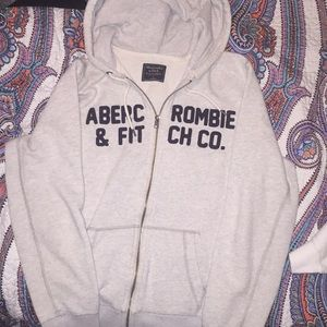 ⚪️White Abercrombie & Fitch Jacket⚪️